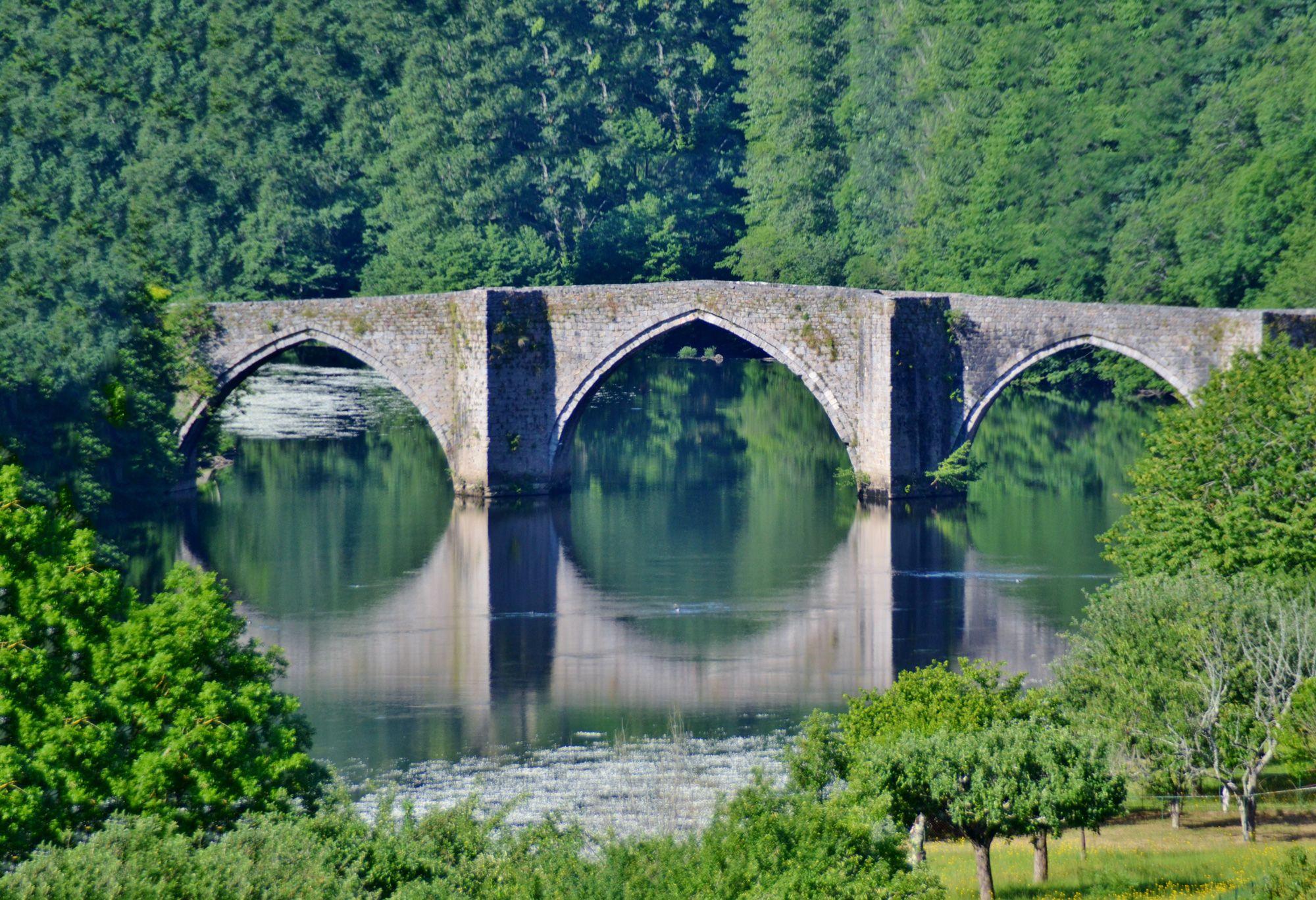 Pont Gothique du 13e siècle